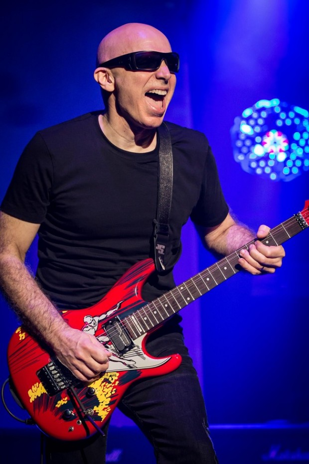 joe satriani on the status of chickenfoot blastecho. Black Bedroom Furniture Sets. Home Design Ideas